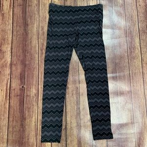 NWT Vanity Black Print Leggings